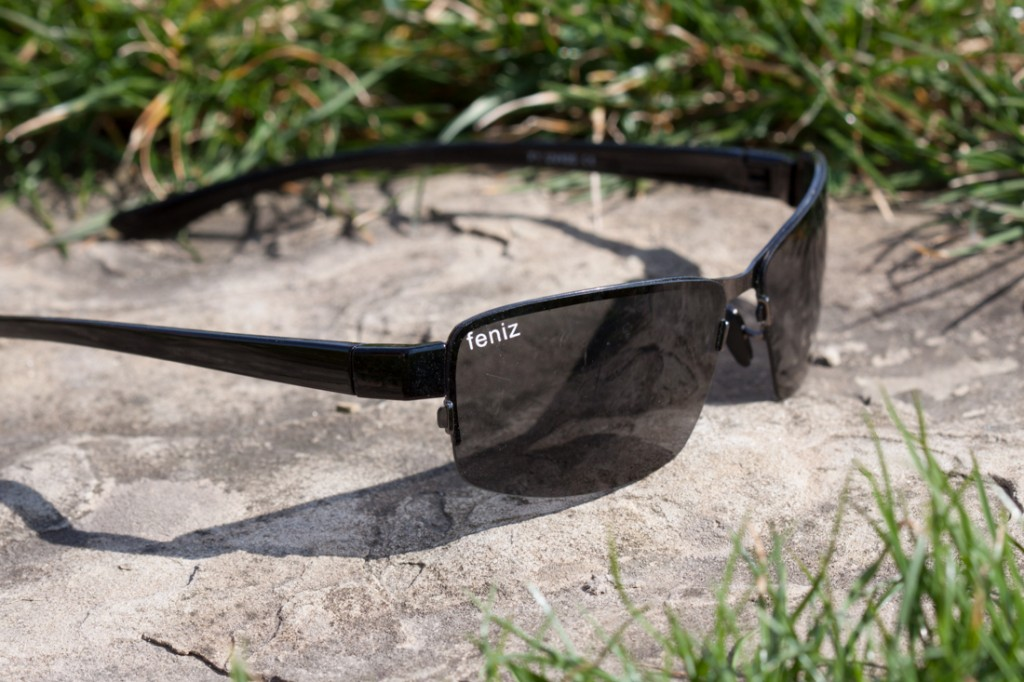 Tanie okulary, niestety tylko na bardzo słoneczne dni, na dodatek niezbyt wygodne