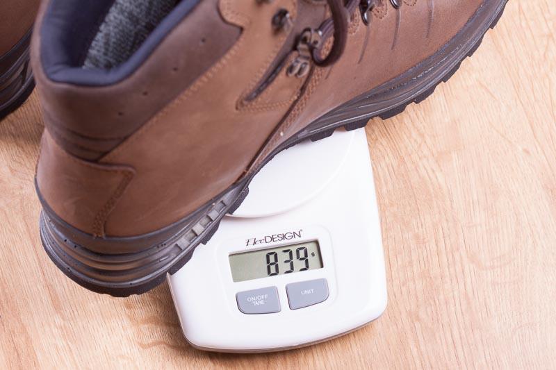 waga każdego buta jest identyczna