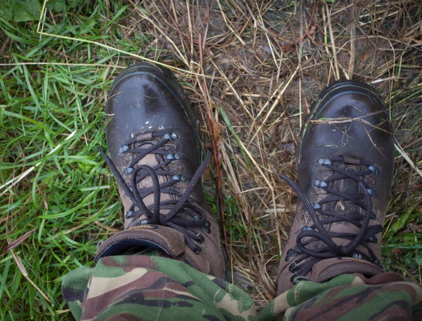 Namoknięta skóra zmienia kolor ale stopy cały czas są suche