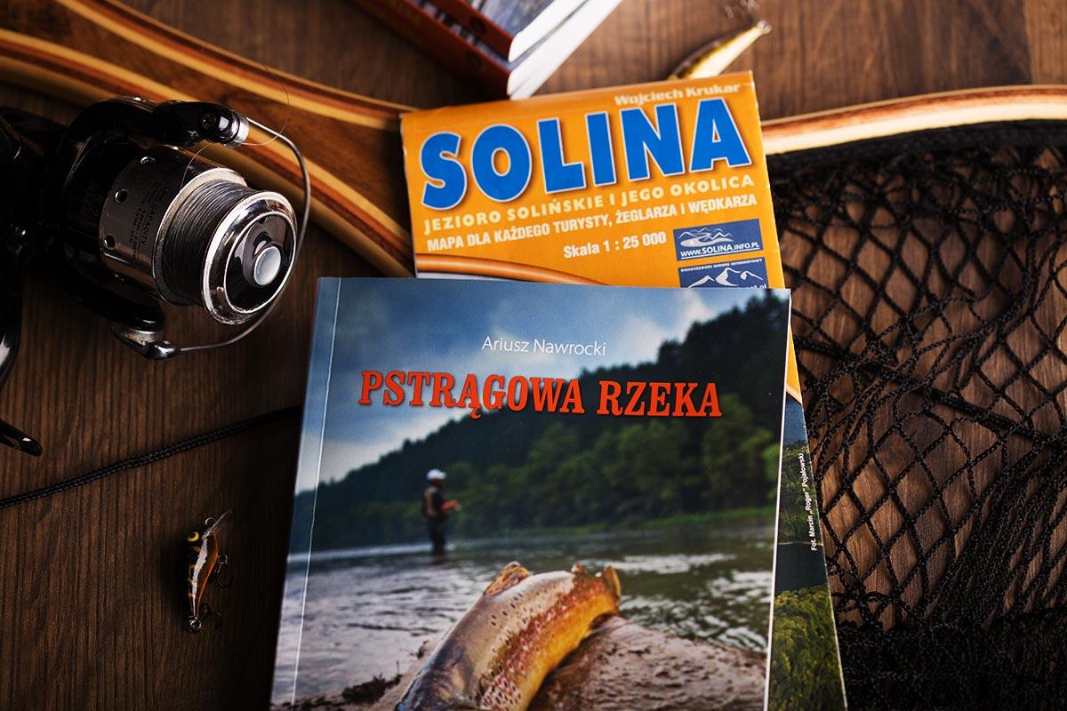 Książka sprzedawana jest w promocji wraz z Mapą Soliny